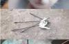 【蜗牛娱乐】搞笑漫画《怒怼杀猫大一新生》 大一学弟射杀喵星人惨遭学姐暴打