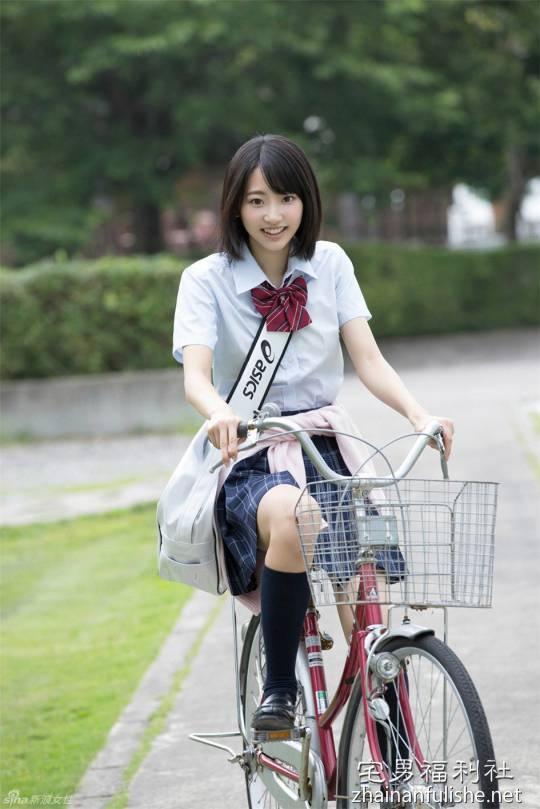 【蜗牛娱乐】男人为什么钟爱高中女生 日本男人列出钟情高中学生妹5大理由