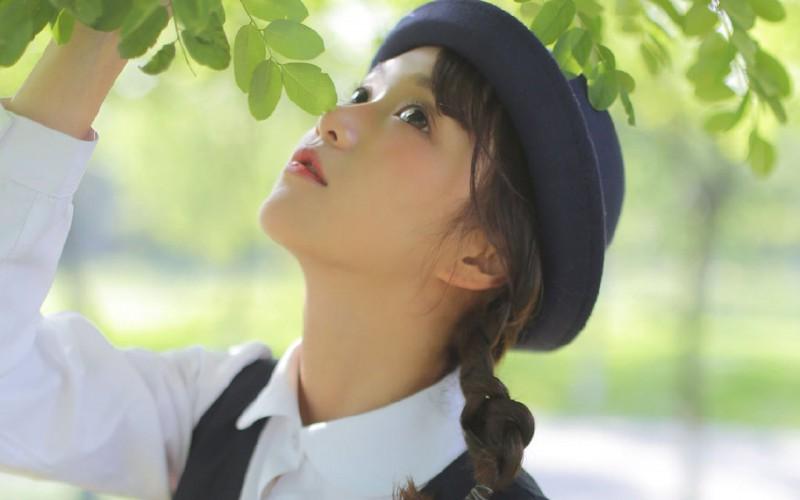 【蜗牛娱乐】清纯萝莉美女制服写真桌面壁纸