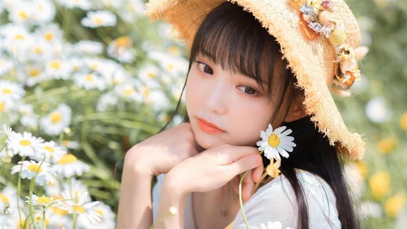 【蜗牛娱乐】甜美草帽美女高清桌面壁纸