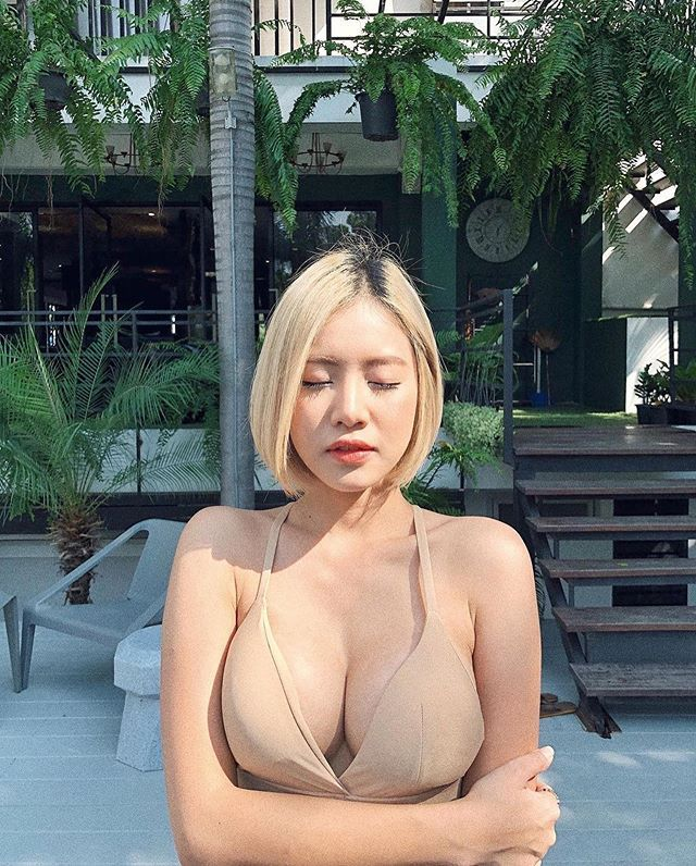 DJ「Soda」复制人?泰国网红《FAHFAH》无论巨胸与美臀都一样有料!