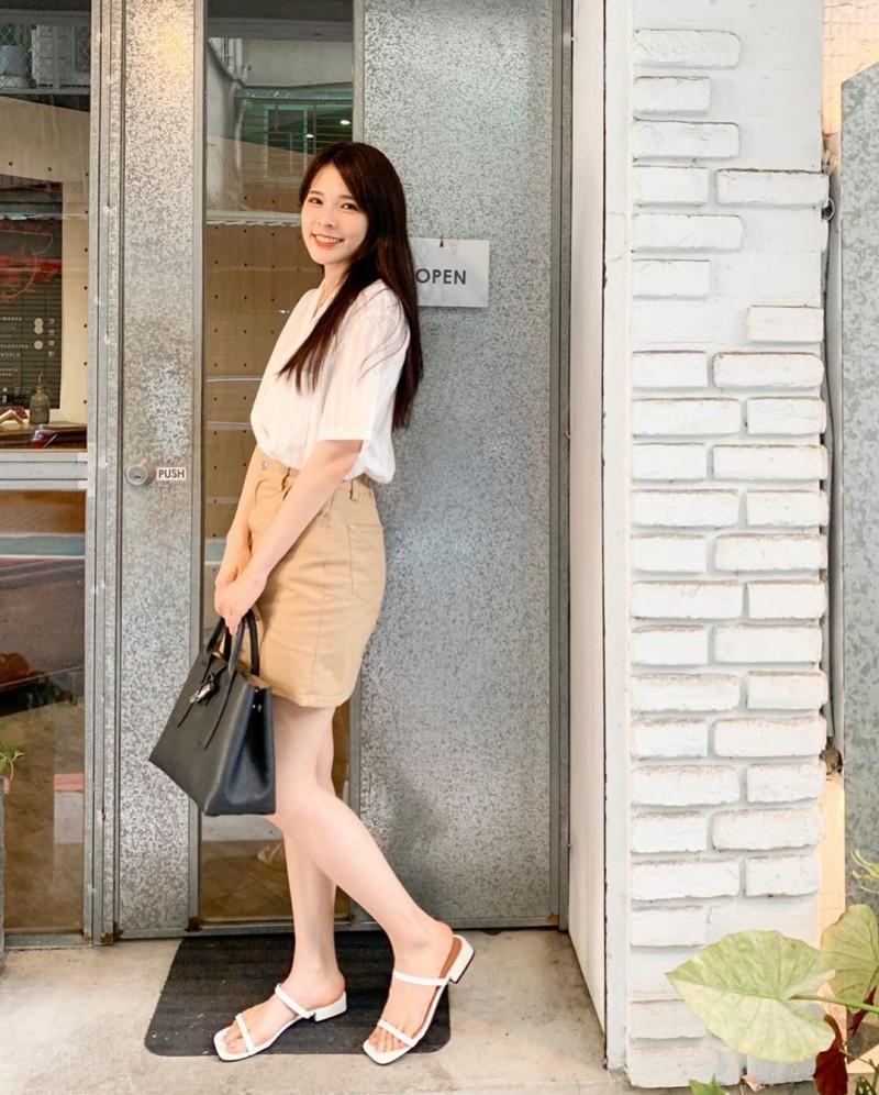 清新系正妹「心甜Christy」甜美笑颜太迷人,比基尼上身直接乍现「傲人嫩」!