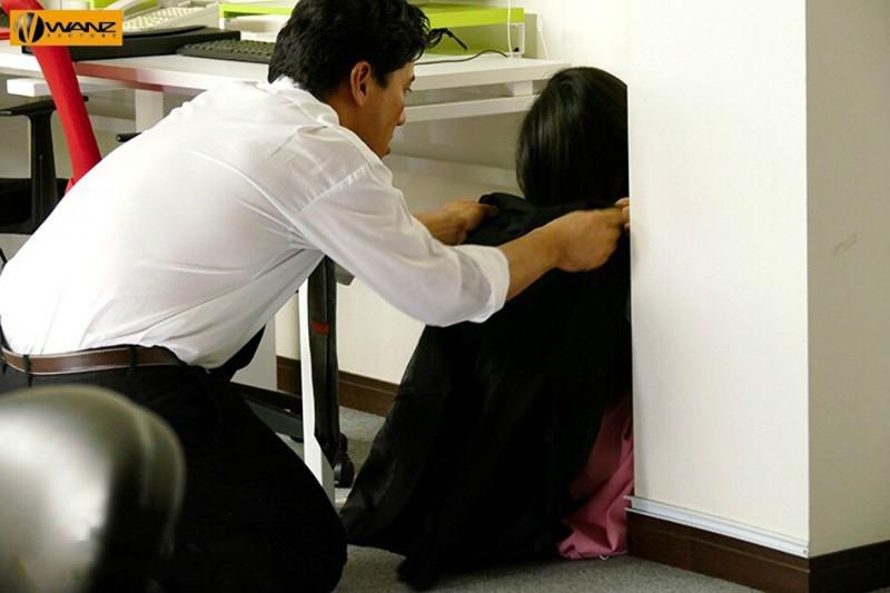 【蜗牛娱乐】WANZ-891:萝莉教主蕾「つぼみ」在办公室被狠狠的搞到痉挛抽蓄!
