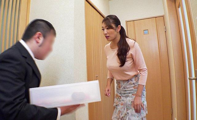 【蜗牛娱乐】NACR-223 :丈夫公粮交的少,小早川怜子需要自娱自乐一番!