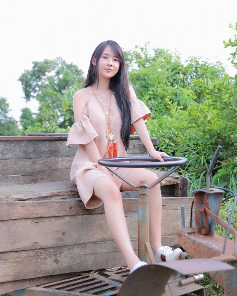素颜也不怕!泰国童颜正妹《Munkaw Chaos》白嫩好青春!