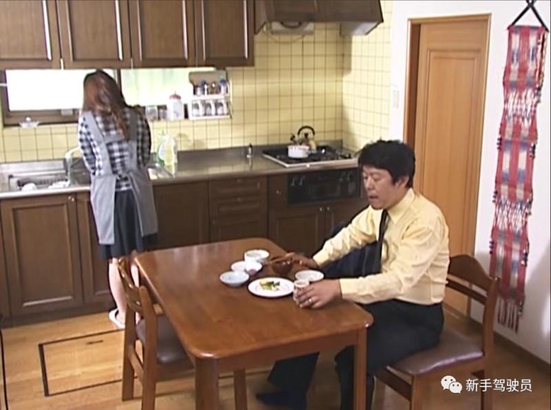 【蜗牛娱乐】花井RBD-173 漂亮太太遭丈夫冷落住进单身小伙的家