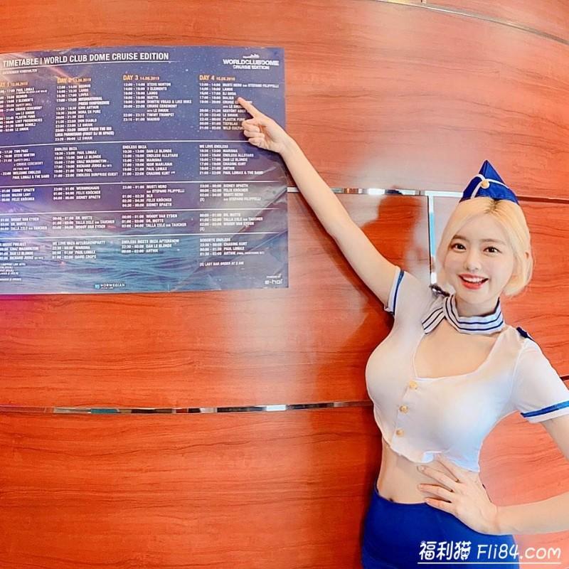 """DJSoda粉丝太热情!拥抱时男粉""""头靠上胸""""…网直呼:好羡慕他的手!"""