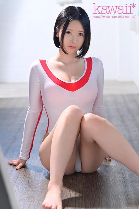 【蜗牛娱乐】CAWD-184:白皙巨乳小姐姐(皆川るい)无毛的白虎小穴也相当鲜嫩!