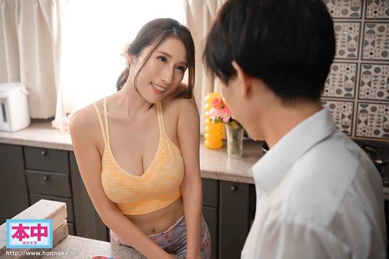 女友妈妈「JULIA」初次见面就问要不要摸 想中出也OK喔!