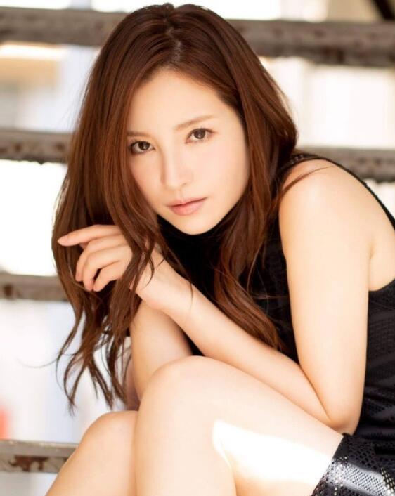 【蜗牛娱乐】神秘女郎是谁 小野夕子与安斋拉拉会不会回归
